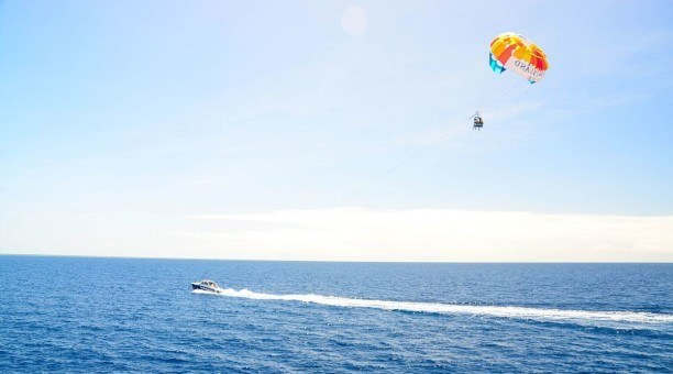 parasail Cairns